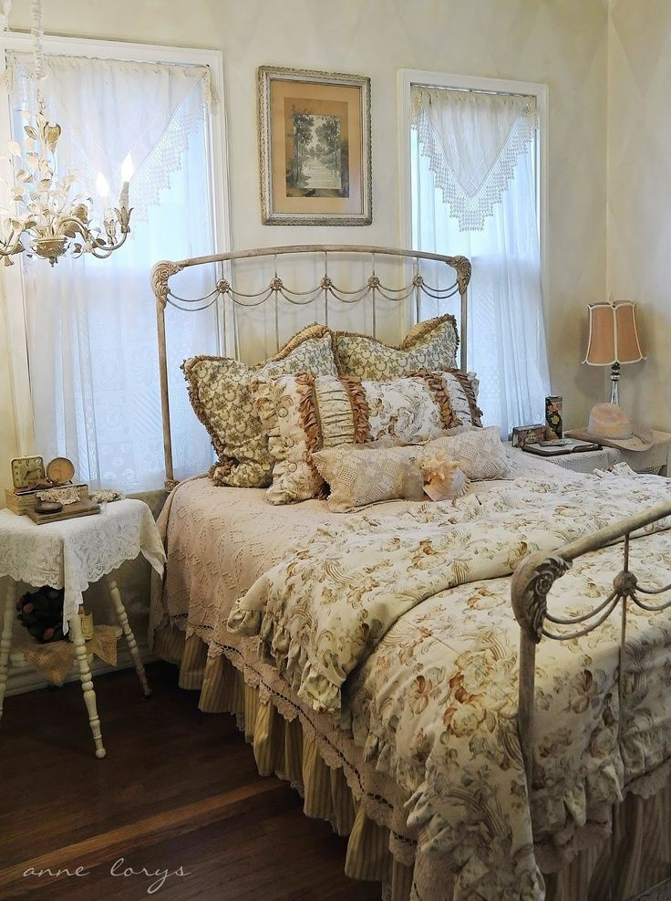Romantic Country Bedrooms | Beautiful romantic vintage country bedroom. | Beautiful Bedrooms