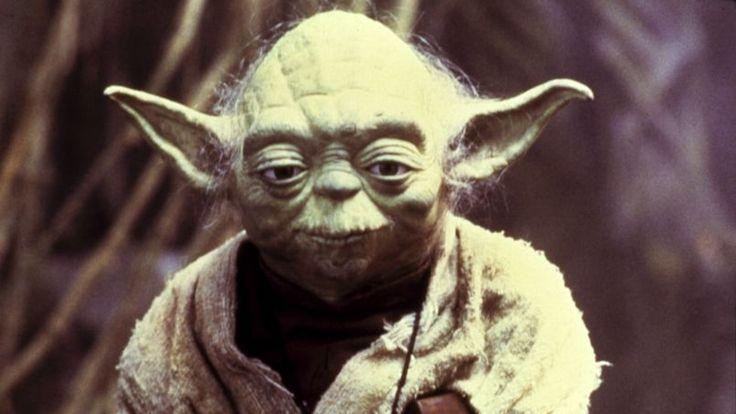 Alors qu'une bande annonce du septième volet des aventures de Luke Skywalker, Han Solo et la Princesse Leia est sur le point d'être mise en ligne aujourd'hui, révisez vos classiques en (re)découvrant les répliques cultes des six premiers volets de la célèbre saga intergalactique.