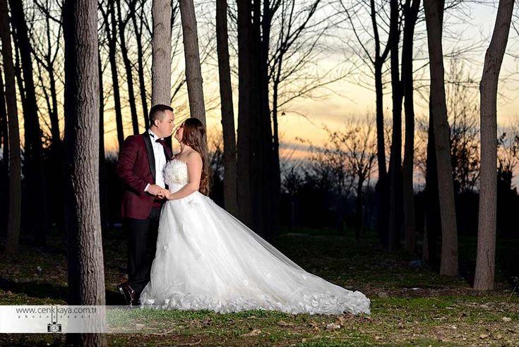 Cenk Kaya İzmir dış çekim fotoğrafçıları arasında yer alan , şehir dışında da çekim yapmaya giden fotoğrafçılardan biri. Düğün hikayesini Cenk Kaya  ile düğün belgeseli, düğün hikayesi, düğün klibi, konsept  çekim yapmaktadır. CENK KAYA FOTOĞRAF SANATÇISI TEL : + 9 0 5 3 6 921 01 00 TEL (Ofis) : + 9 0 232 364 02 40 Şükran Kurdakul Sokak No : 14 Daire :4  KARŞIYAKA ZİRAAT BANKASI ÇARŞI ŞÜBESİ YANI KARŞIYAKA-İZMİR E-Posta : cenkkaya0228@gmail.com www.cenkkaya.com.tr