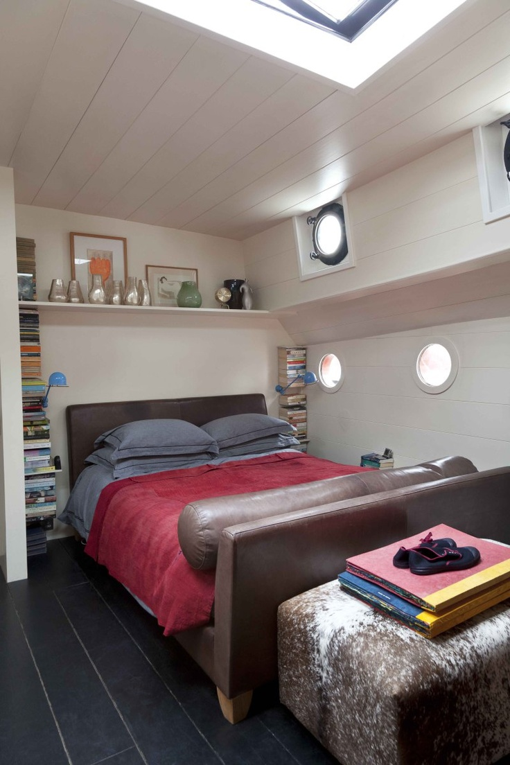 1000 images about house boats on pinterest house boat interiors floating homes and houseboat. Black Bedroom Furniture Sets. Home Design Ideas