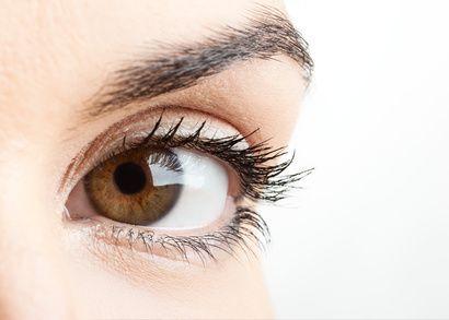 Que faire contre les cernes ? Les cernes apparaissent facilement quand nous sommes fatigués. L'eau de bleuet est un décongestionnant naturel qui permet d'atténuer les poches et les yeux gonflés. L'eau de bleuet est également idéale pour les personnes qui utilisent régulièrement les écrans.