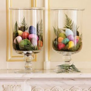 Simple yet attractive, colorful decor for Easter.: Easterdecor, Decor Ideas, Easter Centerpieces, Spring Decor, Easter Spr, Easter Decor, Easter Eggs, Apothecaries Jars, Easter Ideas