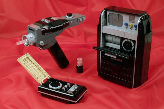 STAR TREK Gadgets Masterfully Made ofLEGO - News - GeekTyrant