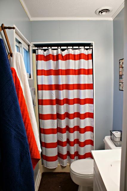 Kid 39 s bathroom orange blue hey cool i made that for Blue and orange bathroom