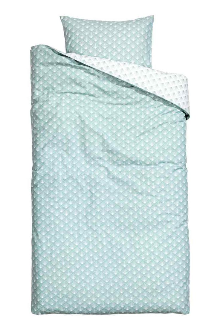Duvet cover set: Duvet cover set with an all-over print on fine-threaded cotton in 30s yarn with a thread count of 144. The duvet cover fastens at the bottom with concealed metal press-studs. One pillowcase.