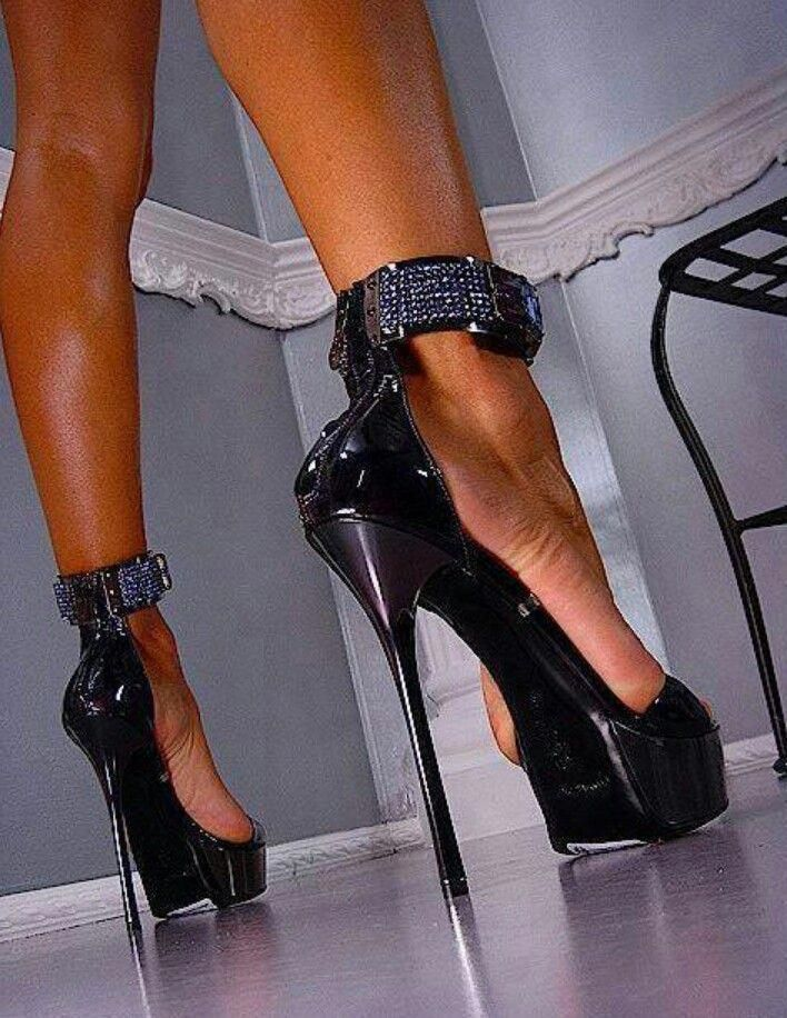 лишь раб жена сапоги каблуках это