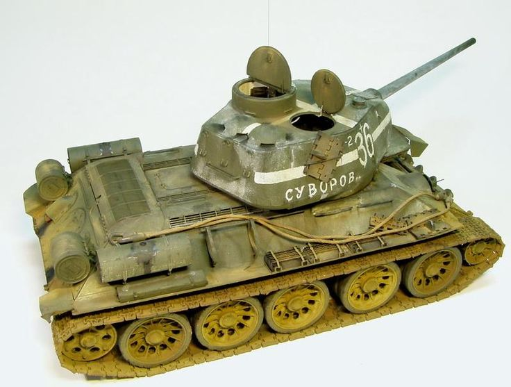 BIG SCALE MODELS.com T-34/85 Soviet Red Army Tank, Russia 1944.