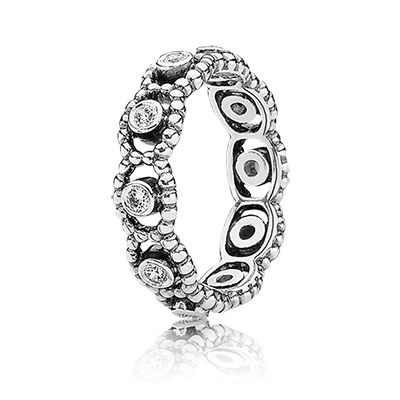 http://mitchumjewelers.com/fine-jewelry/pandora-jewelry-springfield-mo - Complete the royal look with 'Her majesty' ring in sterling silver with clear cubic zirconia $70