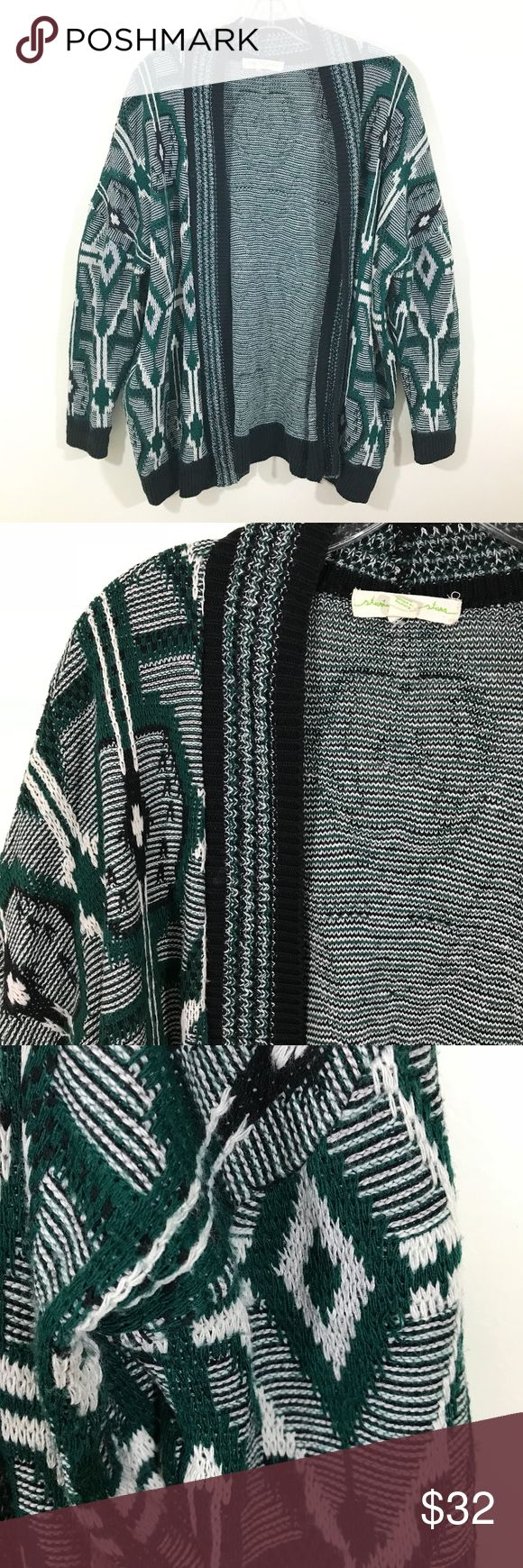 """Urban Outfitters Staring at Stars Cardigan Urban Outfitters Staring at Stars Cardigan. Super comfy oversized boyfriend fit sweater in a diamond pattern. In good used condition, some minor pilling throughout, see pics for condition details.  27.5"""" Long Size Small  Offers welcome, no trades. Bundle & Save! Urban Outfitters Sweaters Cardigans"""