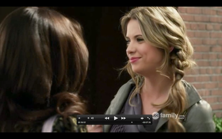 Hairstyle - Hanna from Pretty Little Liars side braid with a twistPretty Little Liars Hanna Hairstyles