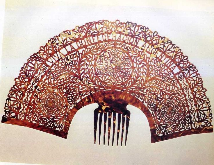 Tortoiseshell mantilla style hair comb early 19th century