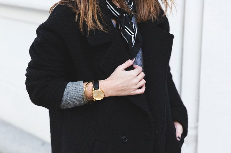 Sara Escudero aka Collage Vintage wearing Nixon - Kensington Leather Gold watch   Shop at www.mulierstore.com