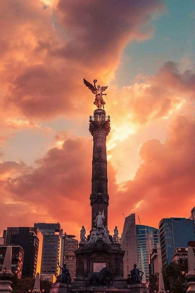 Angel of Independence Monument in Mexico City, Mexico | Mexico ...