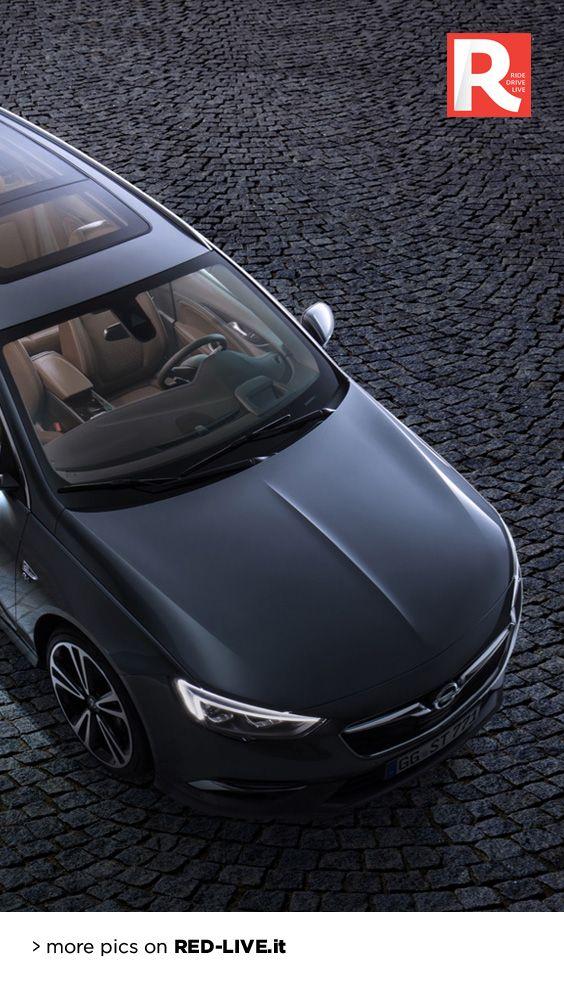 Opel Insignia Sports Tourer 2017: sarà a Ginevra - Più lunga e più spaziosa ma anche più leggera e sportiva. La nuova Insignia familiare debutta al Salone di Ginevra con l'idea di puntare in alto tra le familiari del segmento D... (continua)