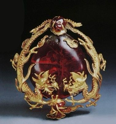 Chinese ancient jewelry ·  Ming Dynasty. What an amazing tie pin this make. Like very much, Want it now!!! :-)