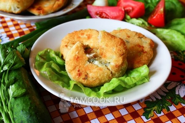 Рецепт быстрых пирожков с курицей и брынзой