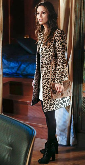 Hart of Dixie's Fashion Credits Season 2, Episode 12 Zoe Hart (Rachel Bilson) wears a leopard coat by Zara and Loeffler Randall boots.