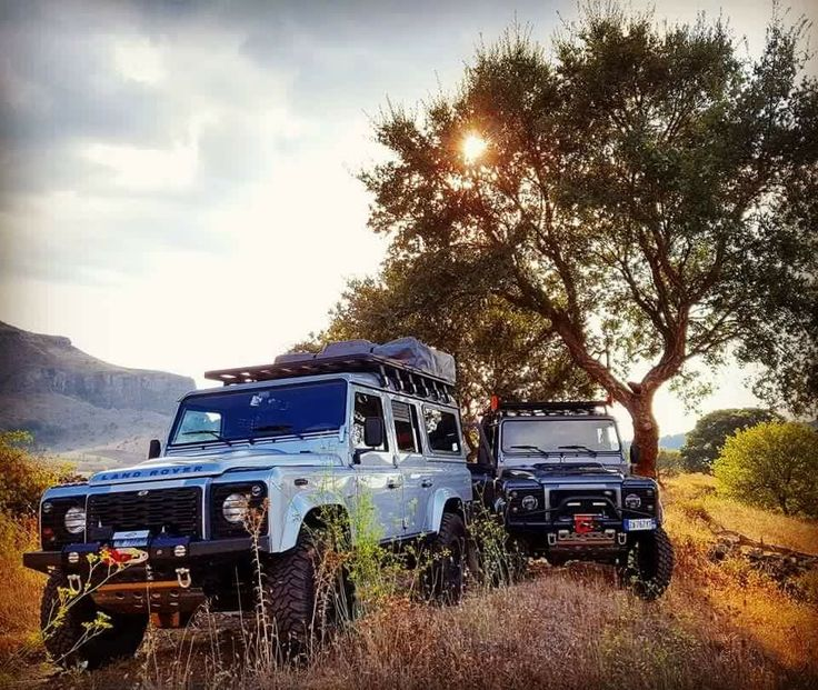 Land Rover Defender 110 Team Adventure Camping...sunset in Sabane route...Love it! lobezno.