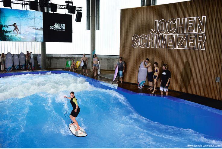 Schenke einen #indoor #surfkurs in der Jochen Schweizer Arena in #münchen ! #surfen #surfing #weihnachten #geschenk #weihnachtsgeschenk