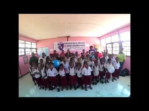 Uni Papua Fc bersama SD impres Khameayakha mengucapkan :  Selamat Natal 2015 dan Selamat Tahun Baru 2016