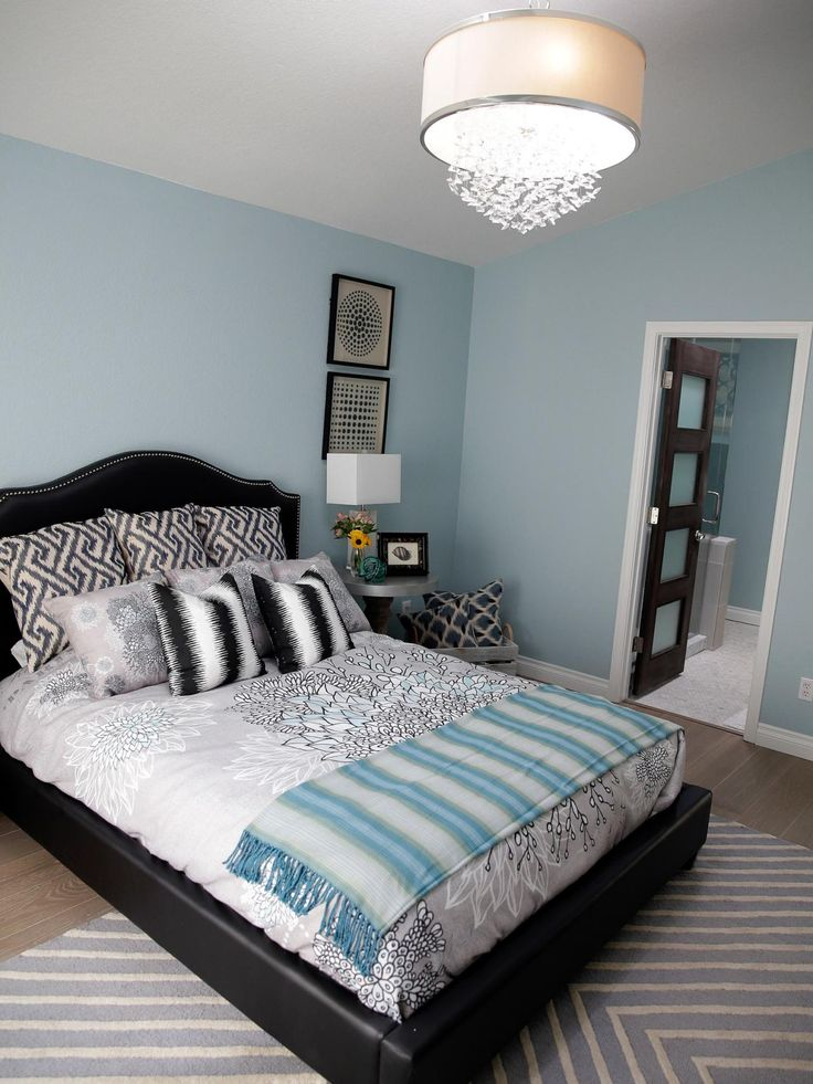 Brother vs brother bedroom and bathroom makeovers from drew and jonathan scott pictures for Property brothers bedroom ideas
