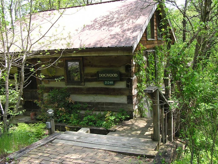 Dogwood cabin is ideal for one couple but can accommodate for Dogwood cabin