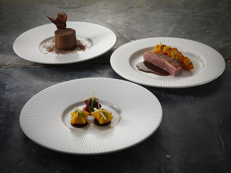 The Steelite Willow range offers multi-level presentation through a series of wide-rim gourmet plates, designed for fine dining and presentation. Available from Hugh Jordan.