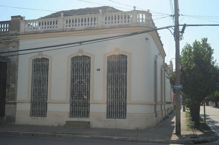 Hostal Castellanos Owner:                 Osvaldo y Alina              City:                    Camagüey                 Address:              Calle Joaquín Agüero #71 entre Rotario y Andrés Sánchez, reparto La Vigía Licence nr:              B242654          Breakfast:               Yes     Lunch/ diner:           Yes Number of rooms:    1