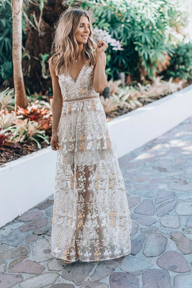 d1ea1692a4be 5 GORGEOUS MAXI DRESS STYLES YOU'LL WEAR ALL SUMMER LONG | Cella Jane #
