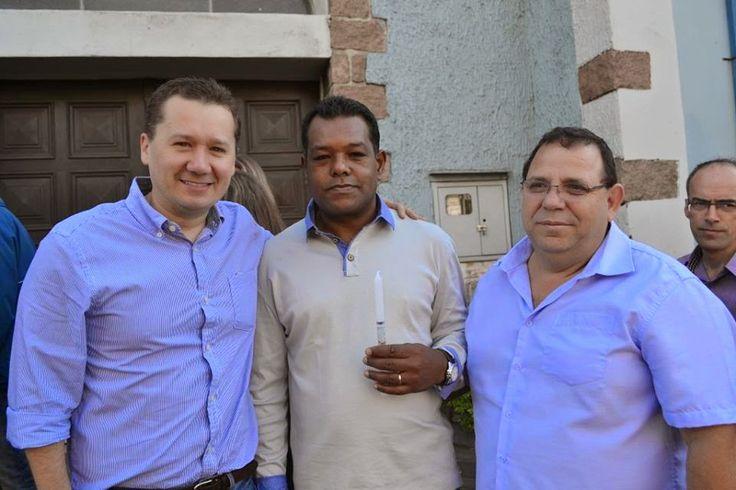 Neste domingo (03), na Igreja Cristo Redentor, tive a honra de ser padrinho de crisma do meu amigo Dirceu. Parabéns!