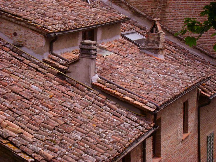 Montepulciano's tile rooves I tetti  a coppi di Montepulciano Les toits en tuile de Montepulciano