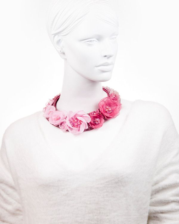BLOOMING PINK | colier statement floral roz