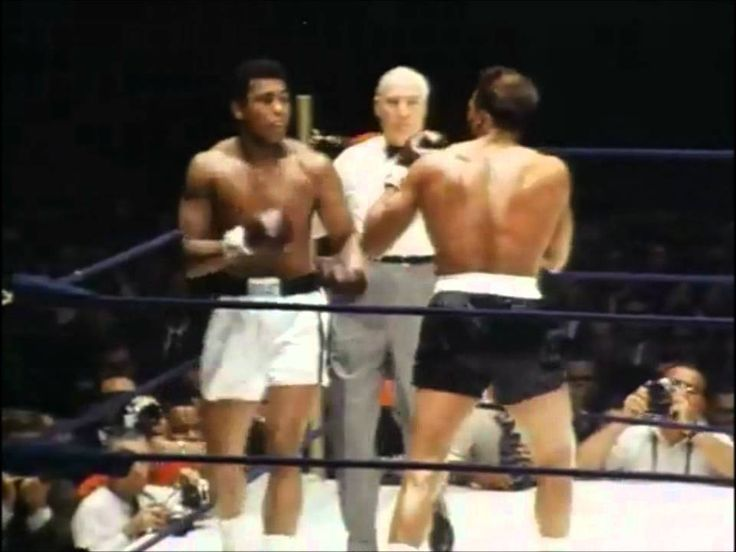 Muhammad Ali - Amazing Speed. R.I.P. Muhammad Ali. Born: January 17, 1942, Louisville, KY Died: June 3, 2016, Phoenix, AZ