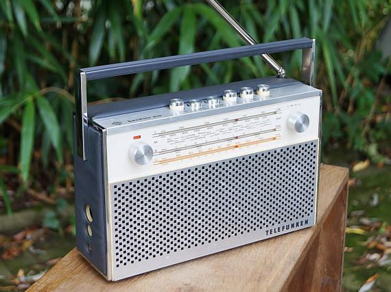 Transistor radio Telefunken Bandola 201, Germany 1969 / 1970 vintage radio with aux port. Retro Interior. Battery operation.