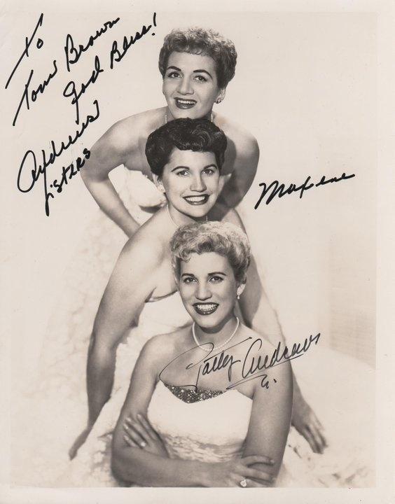 The Andrews Sisters: 1940 S Style, Andrew Sisters, Movie Stars, Stars Autographs, 20Th Century, Infamous People