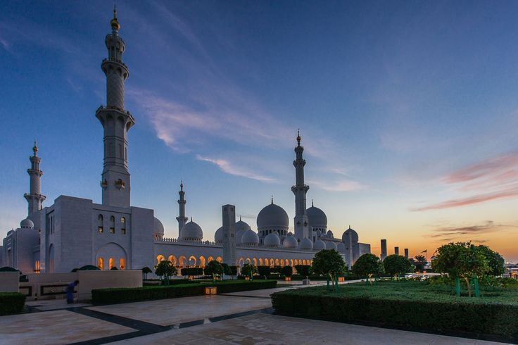 40 beautiful mosques around the world