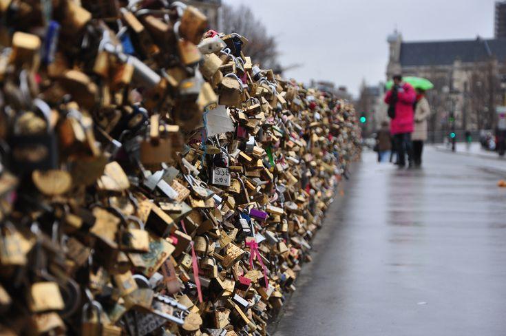 https://flic.kr/p/zLMfns | Love Locked | from, Pont des Arts, Paris