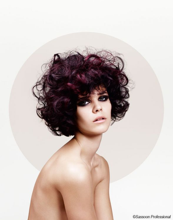 First #hairdressing salon genius, he embodies a unique #style and innovative techniques. Homage to #Vidal #Sassoon, the big name in #hairdressing. http://www.livecoiffure.com/en/posts/32515-london-cradle-of-the-hair-revolution#