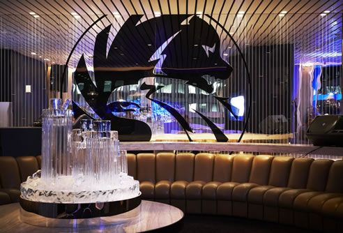 A spectacular display of acrylic mirror sheets for an exclusive event at The Ivy Penthouse, Sydney.