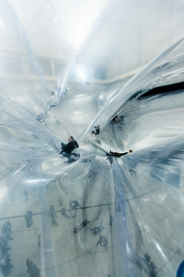 Tomas Saraceno - on space time foam #tape #installation #ephemeral #temporary #architecture #installation #art #arquitectura #efimera #instalacion #arte #architettura #effimera #foam