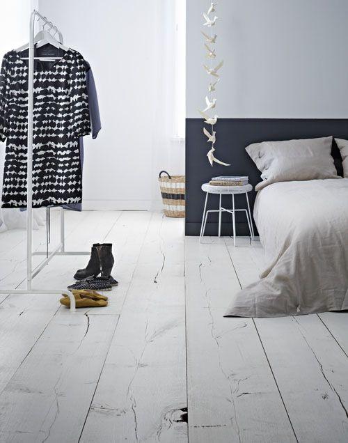 vtwonen-vloer-zwart-wit-Frans-eiken-geschilderd-slaapkamer