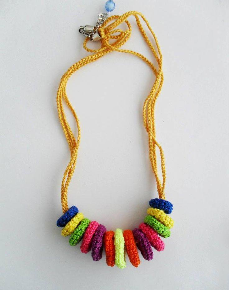 Colar multicolorido em crochetMateriais:Fio 100% AlgodãoFecho em metalLavável à mãoColar Colored Rings Pastel:Pinkie:Forest:Marine:Summer: