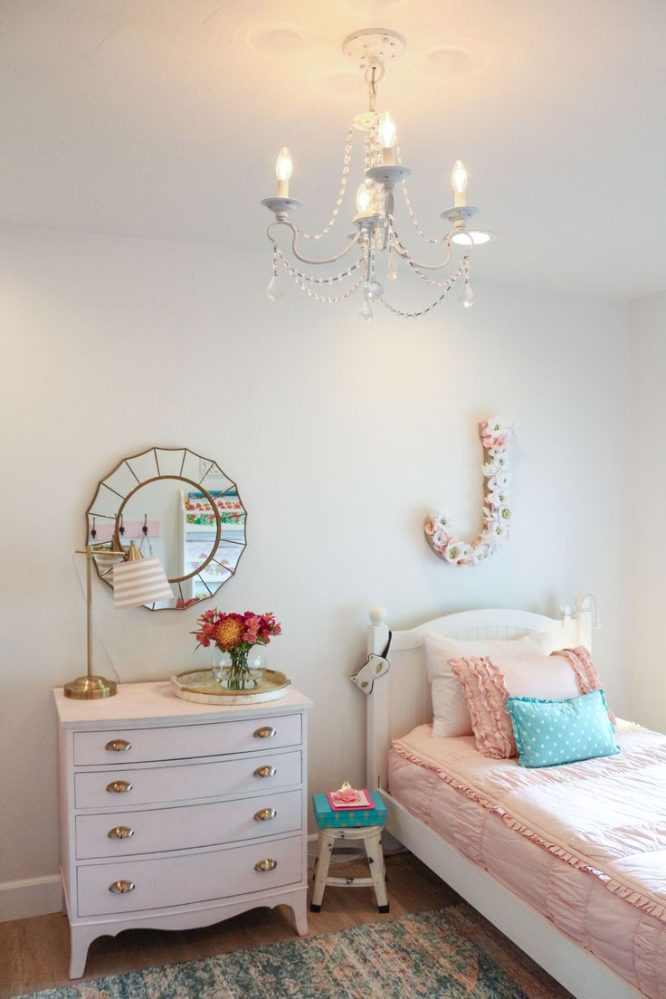 Girls Shared Bedroom: Why We Love Our Blush Pink Ruffle Bedding from Beddy's
