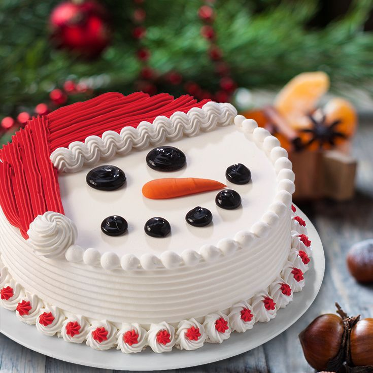 With it's irresistible fudge and crunch centre, this merry DAIRY QUEEN BLIZZARD Cake is the ideal way to treat your guests after a hearty Christmas meal! Order yours at DQCakes.com #Christmas #Family #Cake