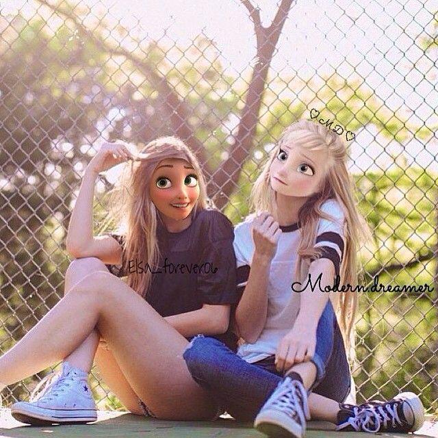 Fantastique les deux princesse Disney amie dans la vraie vie !!!