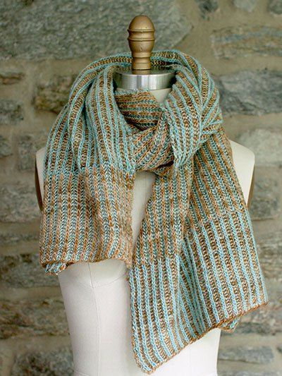 Free knitting pattern for Churros Scarf with brioche knitting