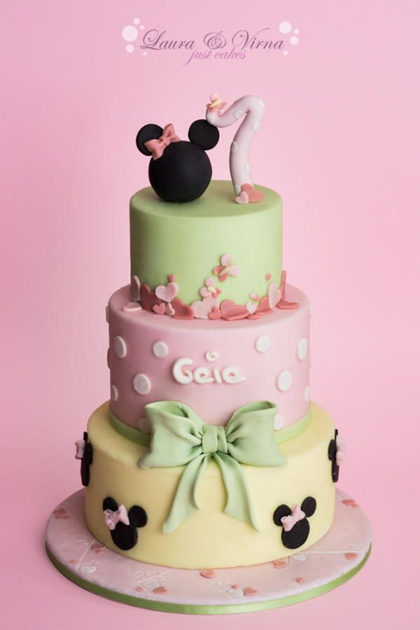 'Minnie Mouse' Cake