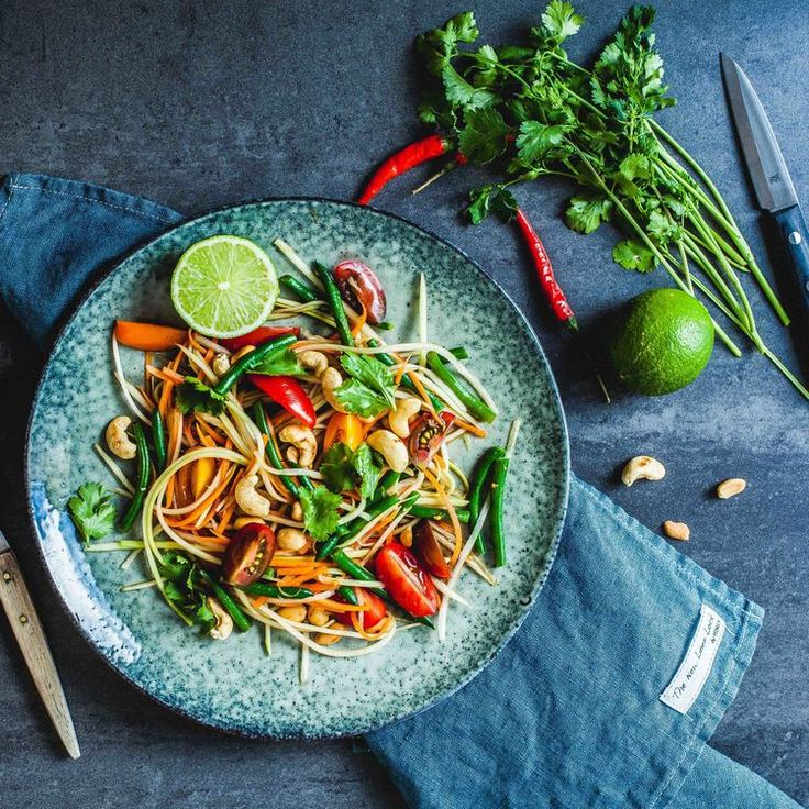 Green Papaya Salad - www.madelinelu.com: