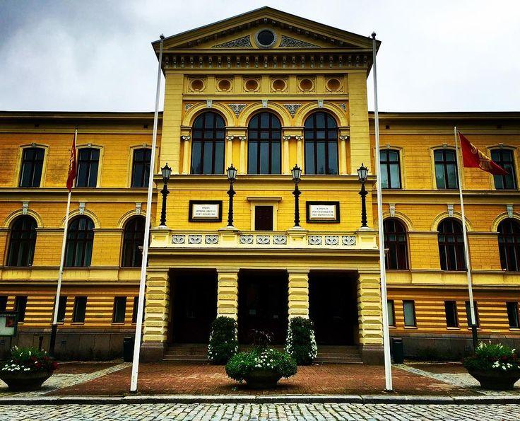 Vaasan kaupungintalo @markojheinonen #house #mycity #architecture #iphoneonly #vaasa #vasa #visitvaasa #visitfinland