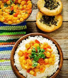 Cucina indiana facile da fare in casa, vegetariana, buona e con ingredienti semplici da trovare: una nuova ricetta con il curry per queste prime sere di freddo. Avete già provato qualche piatto ind...